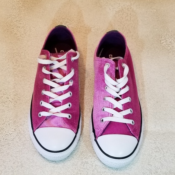 5bc6892a126897 Converse Other - 🎄Sale 🎁🆕NWOTConverse girl velvet Dbl Tongue 1